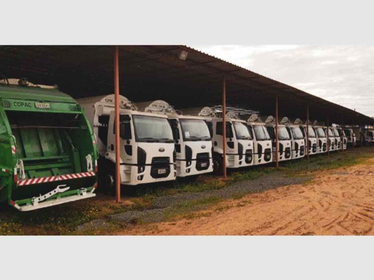 Frota Caminhões Coletores de Resíduos Sólidos